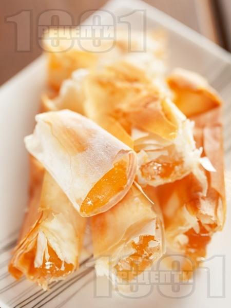 Пухкава баница с локум и фини кори - снимка на рецептата